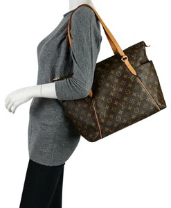 Louis Vuitton Tote in Traditional LV Print