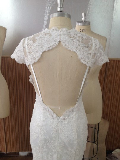 Light Ivory White Alencon Lace Charmuse All 2peice 8/10 Detachable Sheer Sexy Low Keyhole Back Destination Wedding Dress Size 8 (M)