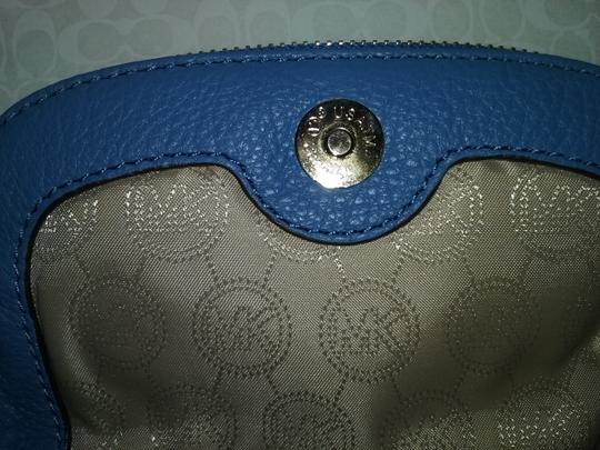 MICHAEL Michael Kors Cross Body Bag Image 3