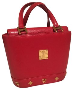 MCM Satchel in red