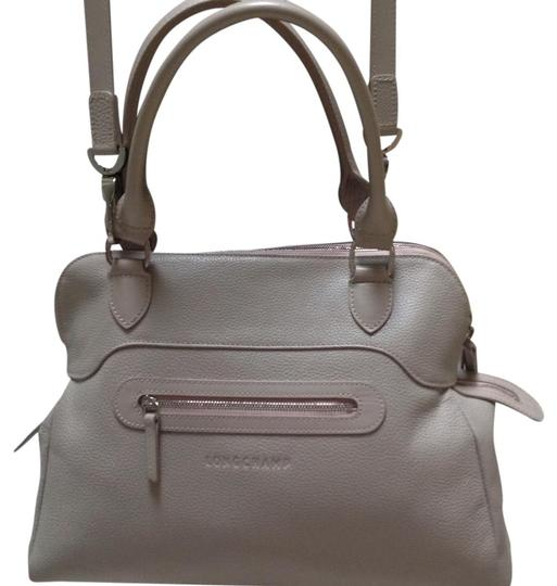 Preload https://img-static.tradesy.com/item/21256309/longchamp-shoulder-bagsatchel-sand-leather-satchel-0-2-540-540.jpg