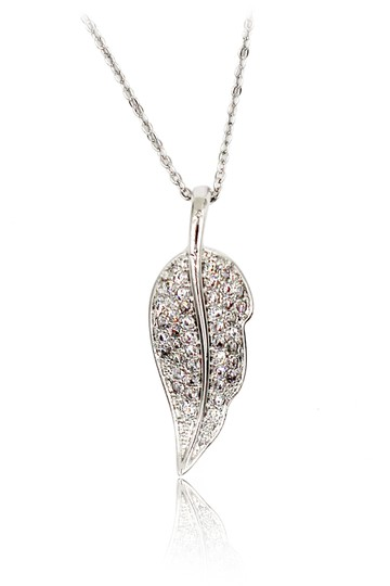 Preload https://img-static.tradesy.com/item/21256840/silver-delicate-leaves-crystal-necklace-0-0-540-540.jpg