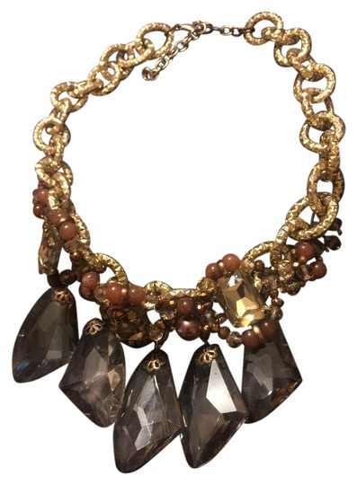 Preload https://item5.tradesy.com/images/gold-and-brown-statement-necklace-21257309-0-1.jpg?width=440&height=440