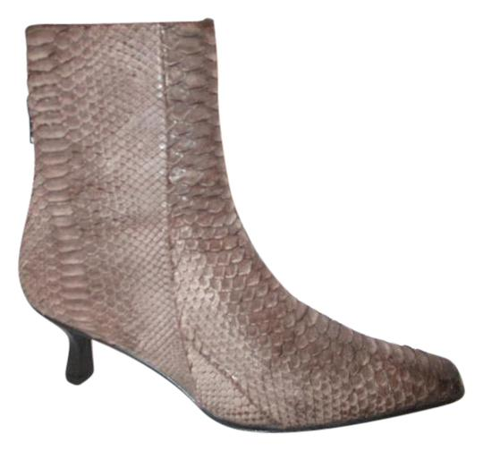 Preload https://item3.tradesy.com/images/stuart-weitzman-brown-snakeskin-embossed-leather-ankle-bootsbooties-size-us-8-regular-m-b-21257442-0-1.jpg?width=440&height=440