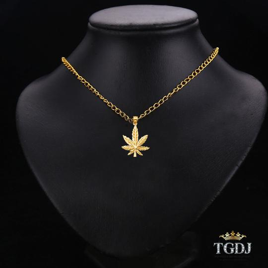Top Gold & Diamond Jewelry Marijuana Leaf Pendant, 14K Yellow Gold Marijuana Leaf Pendant