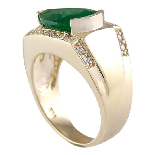 Fashion Strada 4.18 Carat Natural Emerald 14K Yellow Gold Diamond Ring