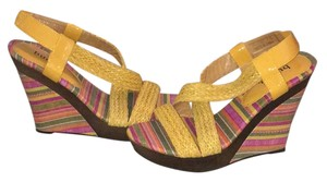 Bucco multi-color Wedges