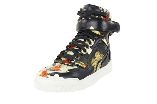 Preload https://item4.tradesy.com/images/givenchy-multi-color-womens-fashion-sneaker-be08013886-sneakers-size-us-5-regular-m-b-21258478-0-0.jpg?width=440&height=440