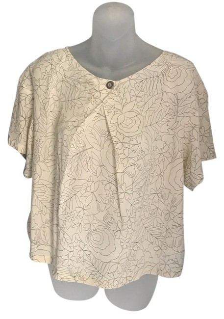Preload https://img-static.tradesy.com/item/21258503/anthropologie-blouse-size-6-s-0-1-650-650.jpg