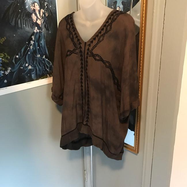 Preload https://item5.tradesy.com/images/free-people-blouse-size-10-m-21258659-0-0.jpg?width=400&height=650