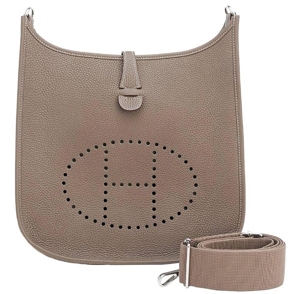 19962ea62dc3 Hermès Evelyne Evelyne Evelyne Pm Messenger Evelyne 29 Cross Body Bag Image  0 ...