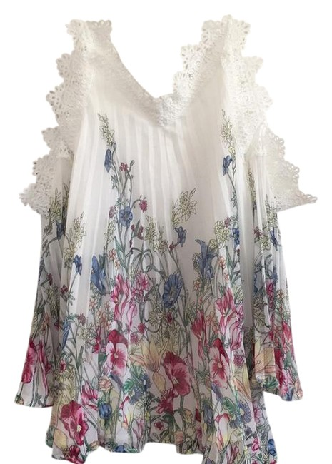 Preload https://img-static.tradesy.com/item/21258978/shein-floral-short-casual-dress-size-2-xs-0-1-650-650.jpg