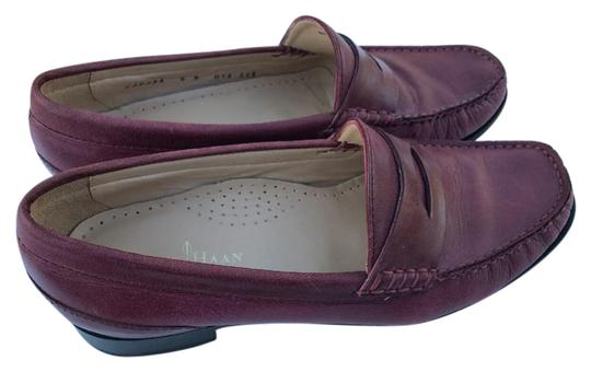 Preload https://img-static.tradesy.com/item/21259071/cole-haan-leather-loafers-flats-size-us-6-regular-m-b-0-1-540-540.jpg