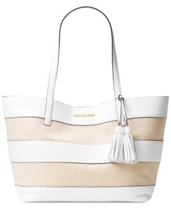 Michael Kors Tote in Natural/White