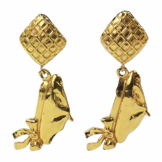 Preload https://img-static.tradesy.com/item/21259568/chanel-gold-coco-s-beret-tone-earrings-0-0-540-540.jpg