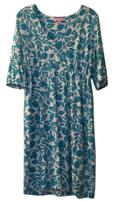 Preload https://item5.tradesy.com/images/lilly-pulitzer-white-with-blue-print-mid-length-short-casual-dress-size-8-m-21259569-0-1.jpg?width=400&height=650