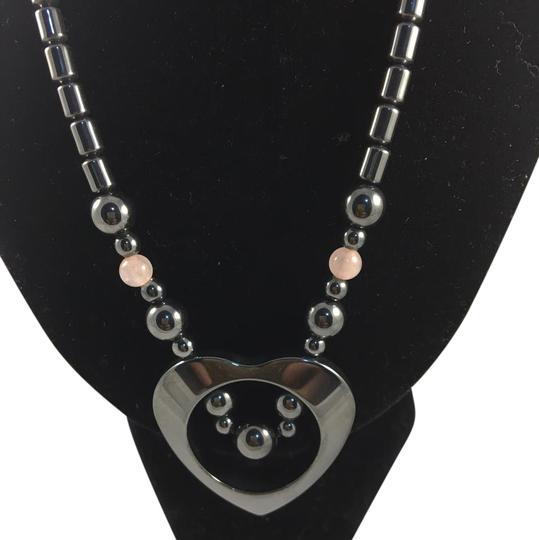 Preload https://img-static.tradesy.com/item/21259849/black-306837-necklace-0-1-540-540.jpg