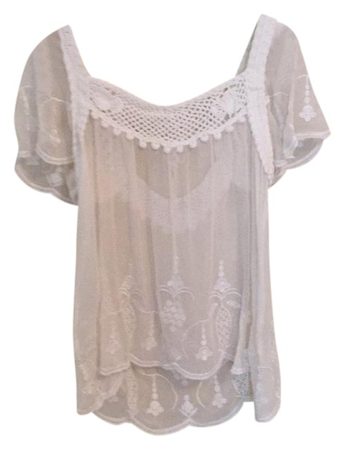 Preload https://img-static.tradesy.com/item/21259904/forever-21-white-flowy-crochet-shirt-blouse-size-4-s-0-1-650-650.jpg