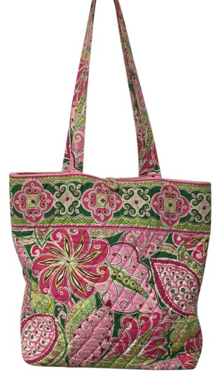 Preload https://item2.tradesy.com/images/vera-bradley-pinwheel-pink-quilted-cotton-tote-21260031-0-1.jpg?width=440&height=440