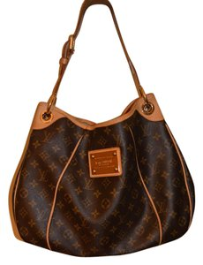 Louis Vuitton It's A Sexy Stylish Unusual Style Shoulder Bag