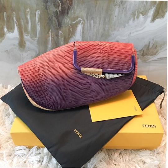 Preload https://img-static.tradesy.com/item/21260538/fendi-borderline-ombre-origami-double-sided-multicolor-lizard-leather-clutch-0-2-540-540.jpg
