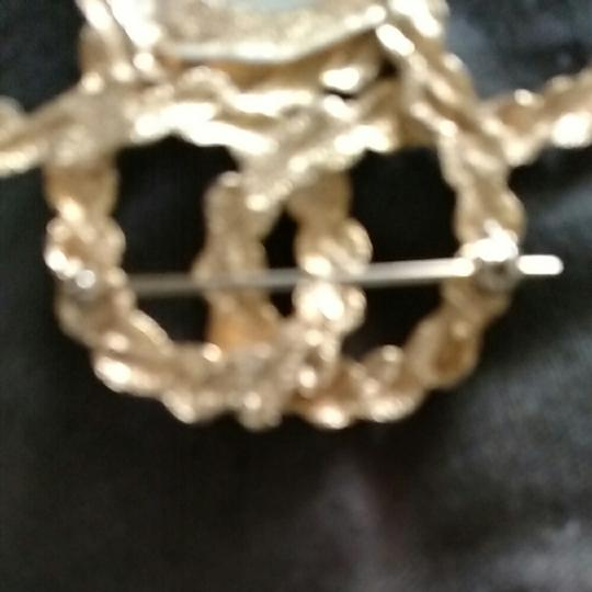 Other Gold tone faux pearl brouch pendent Image 4