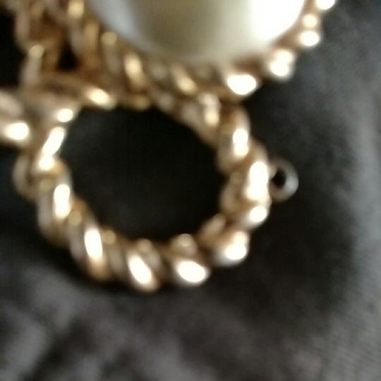 Other Gold tone faux pearl brouch pendent Image 5