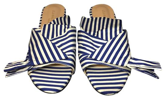 Preload https://img-static.tradesy.com/item/21261413/stripe-blue-and-white-sandals-size-us-75-0-1-540-540.jpg