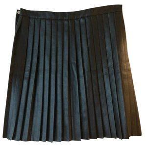 H&M Faux Leather Pleated Short Skirt Black