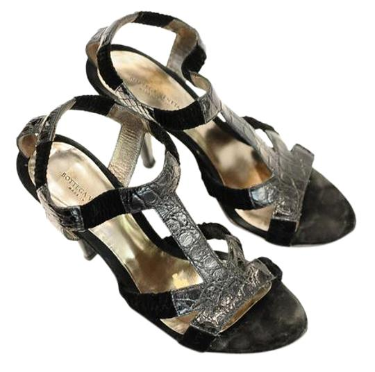 Preload https://img-static.tradesy.com/item/21262402/bottega-veneta-black-strappy-sandals-size-us-85-regular-m-b-0-1-540-540.jpg