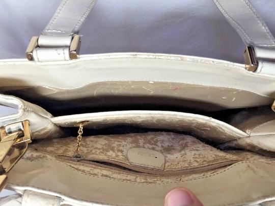 Gucci Multi-compartment Has Restored Lining Large Satchel/Tote Two-way Style Dressy Or Casual Satchel in Ivory leather Image 3