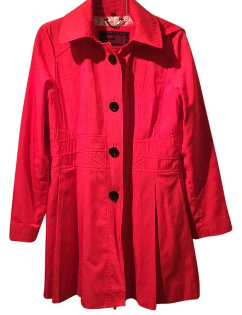 Preload https://img-static.tradesy.com/item/21262966/guess-apple-red-54163-trench-coat-size-12-l-0-1-650-650.jpg