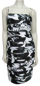 Calvin Klein Tiered Sheath White Black Silver Formal Prom 6 Cocktail Glitter S Pleated Dress