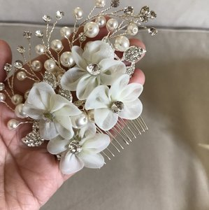 New White Ivory Flower Rhinestone Crystal Prom Pageant Hair Comb Accessory Pin
