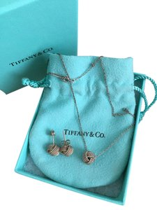 Tiffany & Co. Tiffany Twist Knot Pendant &Earrings set with box