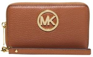 Michael Kors Multifunction Wallet Phone Case Wristlet