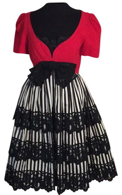 Item - Black Red and White 16443-45 Mid-length Cocktail Dress Size 8 (M)