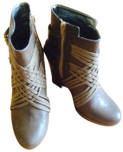Deena & Ozzy brown Boots