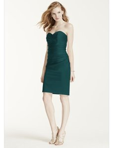 David's Bridal Green Polyester Short Stretch Satin Sweetheart Neckline Traditional Bridesmaid/Mob Dress Size 4 (S)