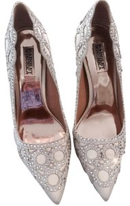 Badgley Mischka Bridal Prom Formal Wedding Special Occasion ivory Pumps
