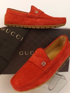 Gucci Mens Gucci Queen Red Suede Silver Interlocking Logo Driver Loafers 6 7