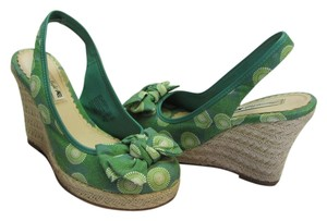 American Eagle Outfitters Size 7.50 M Good Conditin Green, Neutral, Wedges