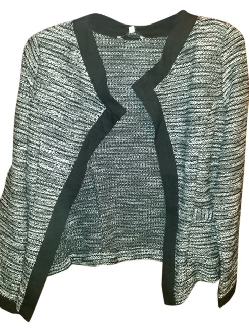 Preload https://item2.tradesy.com/images/boucle-na-cardigan-size-4-s-2127081-0-0.jpg?width=400&height=650