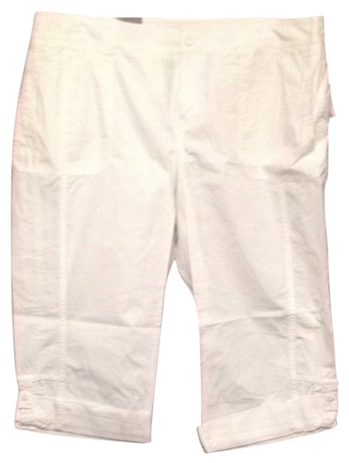 Preload https://item3.tradesy.com/images/old-navy-white-capris-size-16-xl-plus-0x-2127107-0-0.jpg?width=400&height=650