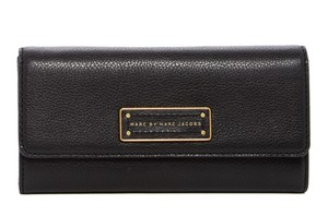 Marc by Marc Jacobs Too Hot To Handle Leather Long Wallet Trifold Wallet 883936175918 M3pe136 Black Clutch