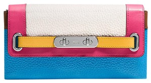 Coach Coach Pebble Leather Swagger Wallet 53911