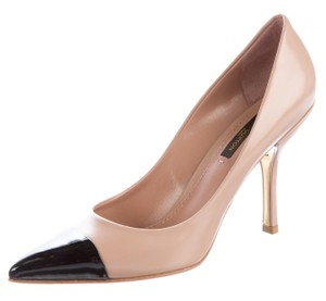 Louis Vuitton Pointed Toe Maureen Patent Leather Gold Hardware Lv Beige, Black Pumps