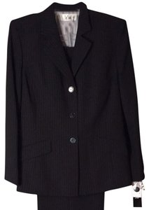 Le Suit Blk/Ivor Pin Stripe suit