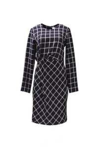 Elizabeth and James Hits Below The Knee Poly/rayon Dress