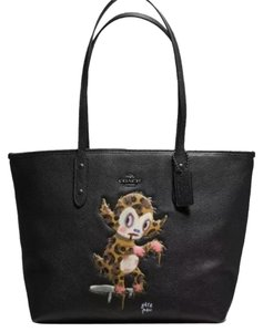Coach Baseman City Tote In Black Tote in black